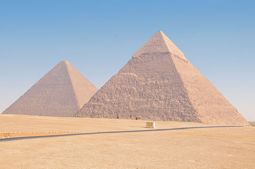 120614800px-Cairo_pyramids,_Dec_2008_-_59