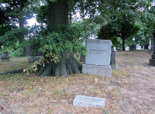 270315IMG_4239 Berry and Huljus plot Evergreens Cemetery Brooklyn (3)