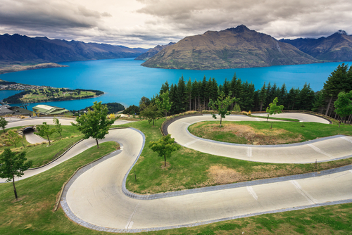 Winding New Zealand road