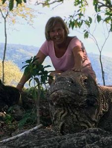 Bonnie Lynn, Flores, Indonesia