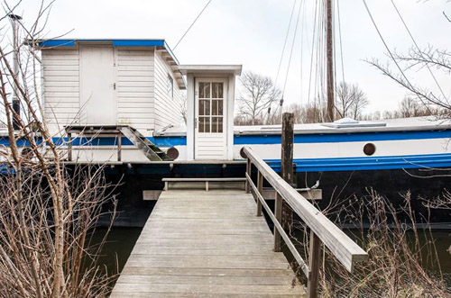 De Cornelia Houseboat, Holland