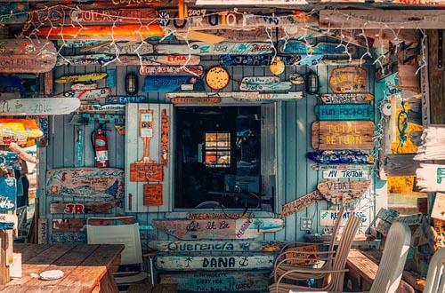 Bahamas beach bar